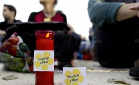 l-une-des-manifestations-parisiennes-s-est-deroulee-pacifiquement-en-presence-de-700-personnes-sur-le-champ-de-mars-photo-afp