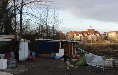 les-campements-type-bidonville-de-strasbourg-ici-les-personnes-sont-le-plus-eloignees-de-toute-idee-meme-d-integration-archives-dna-michelfrison