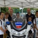 La police aime les enfants très jeunes
