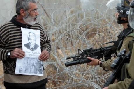 Mandela, un exemple difficile à imiter pour les Palestiniens