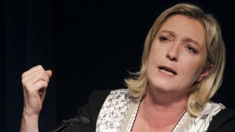 """"""" Elisez un chef bien couillu"""": Gilbert Collard, député…"""