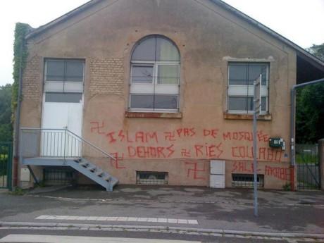 Encore un bâtiment servant de mosquée tagué à Strasbourg-Elsau