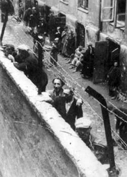 Une des dernières parmi les survivants du ghetto de Varsovie appelle à la rébellion contre l'occupation israélienne.