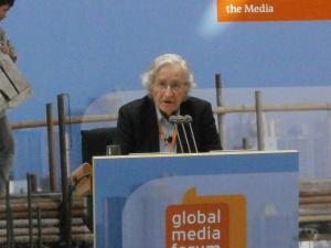 Noam Chomsky: Une feuille de route vers un monde juste – le peuple ranimant la démocratie