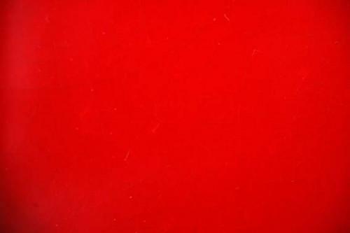Rouge vif ou bleu marine, que choisir?