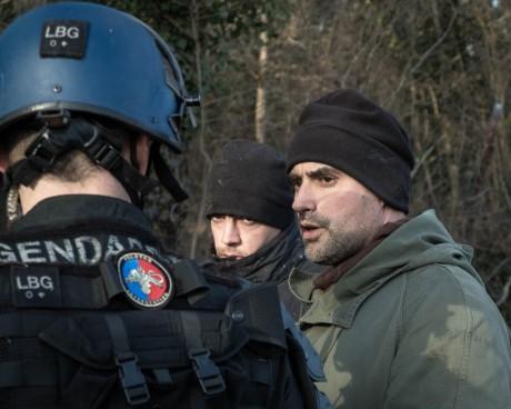 A Sivens, Hollande se sert des milices d'extrême-droite – comme en Grèce l'avait fait Samaras