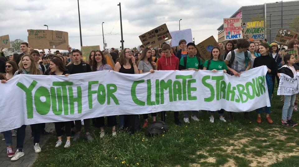 Youth for climate Strasbourg et Kurdes pour Oçalan au Parlement européen