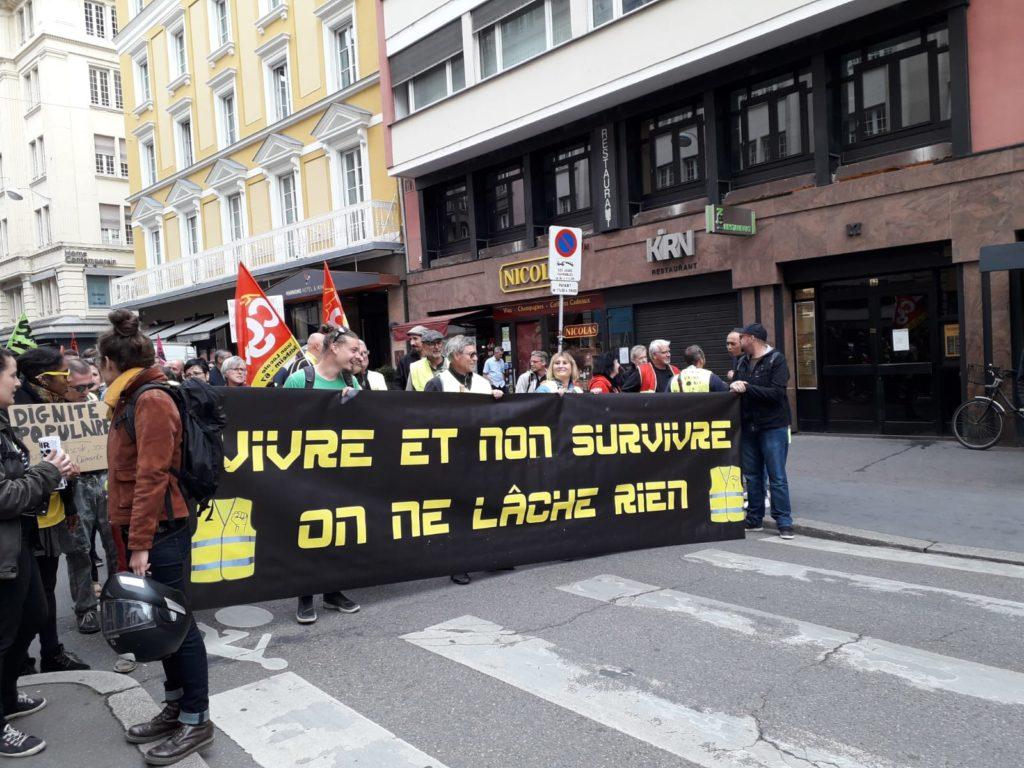 Un millier pour les retraites à Strasbourg: CGT,Solidaires,FSU, Gilets Jaunes