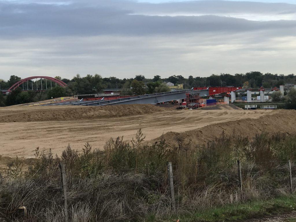 Les anti-GCO s'invitent au lançage du viaduc de Vendenheim