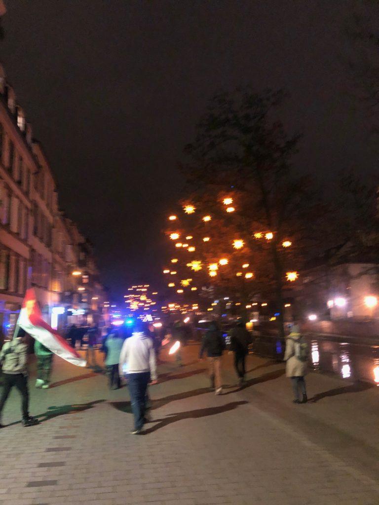 Strasbourg marche aux flambeaux contre la loi de sécurité globale