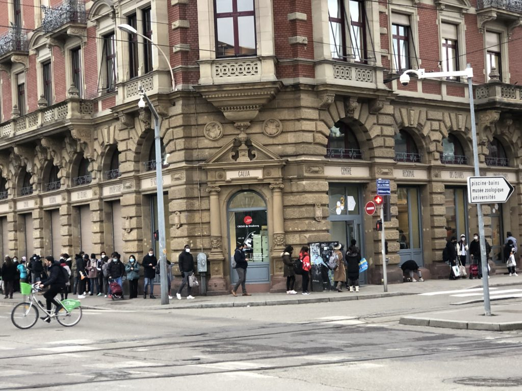 Trop c'est trop: les étudiants de Strasbourg manifestent