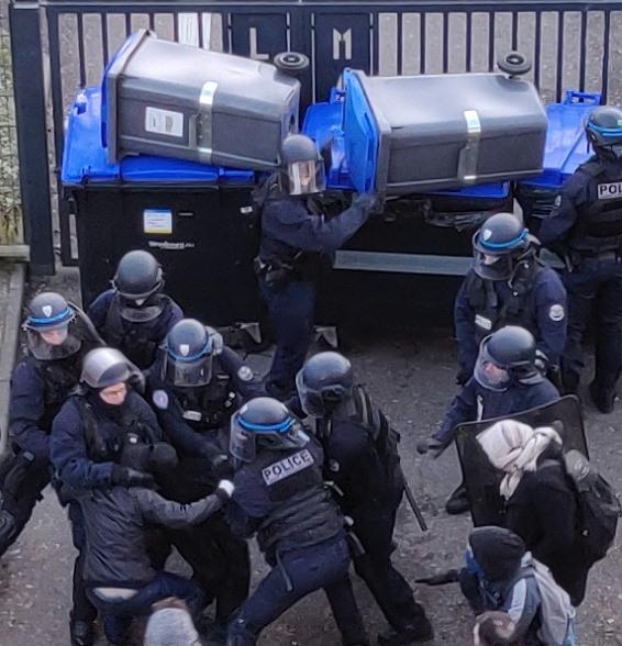 Répression policière contre des lycéens à Strasbourg