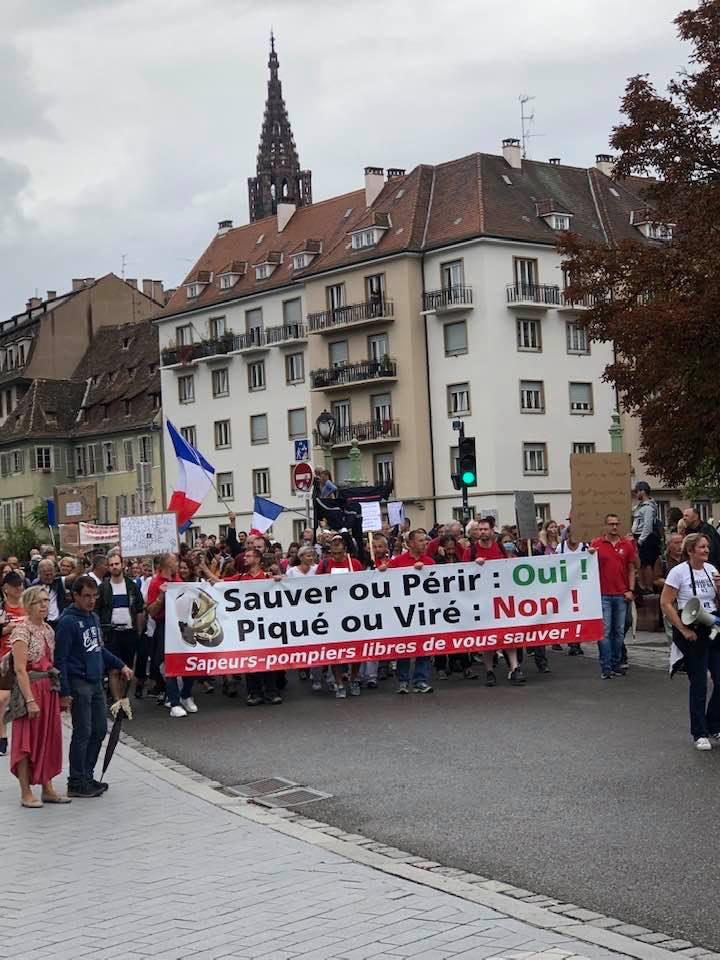 D e 1200 à 1500 manifestants à Strasbourg contre le passe sanitaire et l'obligation vaccinale